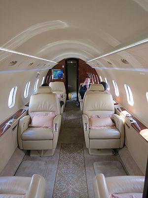 Bombardier Challenger 300 - Passenger cabin