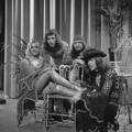Bonnie St. Claire & Unit Gloria - TopPop 1974 5.png