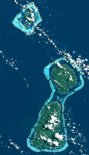Raiatea - The islands of Bora Bora (top) Taha'a (middle) and Ra'iātea (bottom). Taha'a and Ra'iātea share the same lagoon.