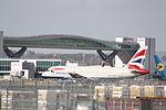 British Airways Airbus A319 G-DBCE (24188597579).jpg
