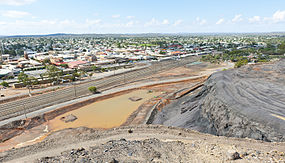 Broken Hill from top of slag heap.jpg