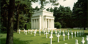 World War I Brookwood American Cemetery and Me...