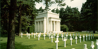London Necropolis Railway - Chapel and graves at Brookwood American Cemetery and Memorial