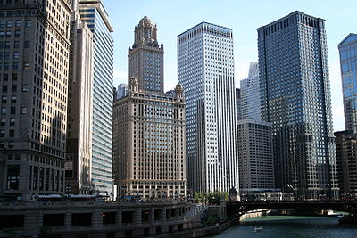 Buildings lining the Chicago River.