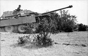 Bundesarchiv Bild 101I-717-0017-12, Frankreich, Jagdpanther.jpg