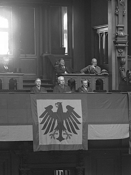 Reichsprasident Paul von Hindenburg (center) at the Reichstag, 1 January 1931. Bundesarchiv Bild 102-11056, Berlin, Reichstag, Reichsgrundungsfeier.jpg