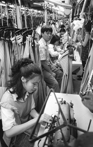 Vietnamese people in Germany - Garment workers in Rostock, 1990