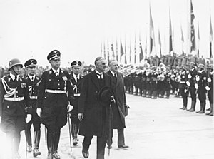 Karl von Eberstein - Eberstein with British Prime Minister Neville Chamberlain and Joachim von Ribbentrop in 1938
