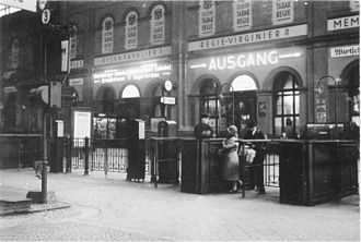 München Hauptbahnhof - Ticket gate, about 1930