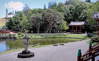 Valley of the Temples Memorial Park - Image: Byodo In Temple Oahu 2