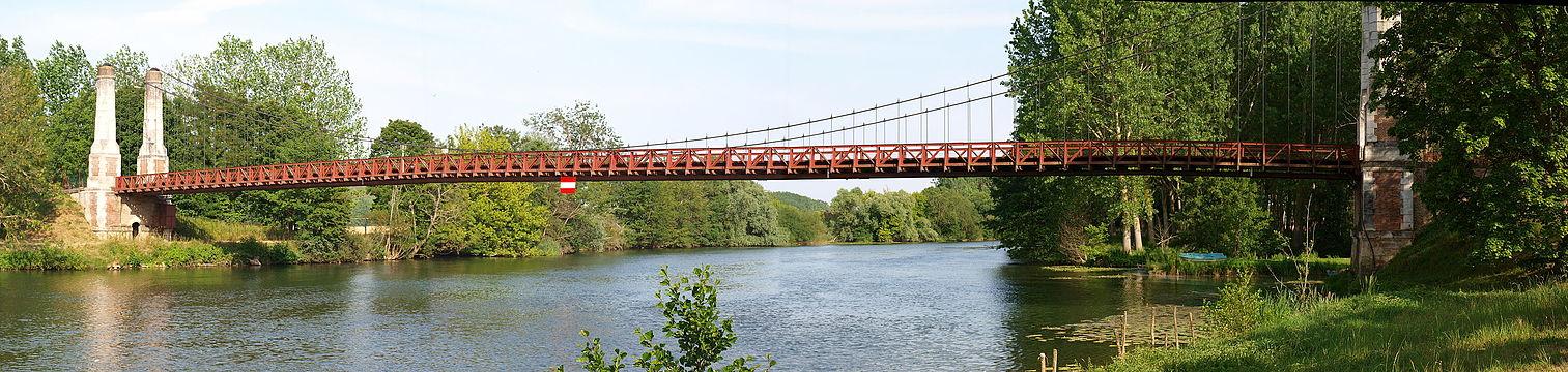 Pont suspendu de Cézy