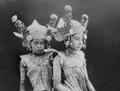 COLLECTIE TROPENMUSEUM Portert van twee jonge Balinese danseressen TMnr 10004678a.tif