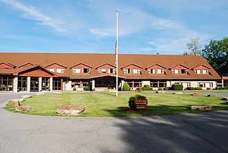 Cacapon Resort State Park - Image: Cacapon Resort State Park Lodge