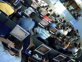 David Bohnett Foundation - Image: Cafe internet uninorte