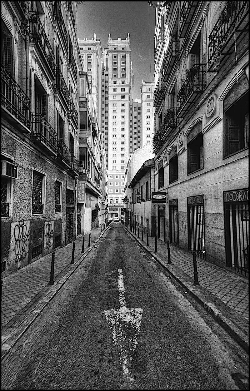 Calle de los Dos Amigos (Madrid) 01.jpg