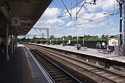 Camden Road railway station MMB 06.jpg