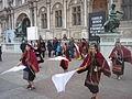 Carnaval des Femmes 2015 - P1360839 - Place de l'Hôtel-de-Ville - Les Boliviens dansent.JPG