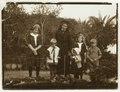 Carola Wachtmeister f. von Eckermann med barnen Ulla, Agneta, Hans, Claës och Regina Wachtmeister - Hallwylska museet - 106434.tif