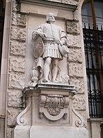 Castle statue (14101651149).jpg