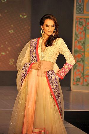 Dipannita Sharma - Image: Celebrities at Manish Malhotra Lilavati Save & Empower Girl Child show (8)