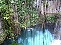 Cenote Ik Kil, Yucatán (24213963112).jpg