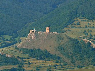 History of the Székely people - Ruins of the fortress on Székelykő at Torockó (now Piatra Secuiului at Rimetea in Romania) that the Székelys of Aranyos received from a noblemen