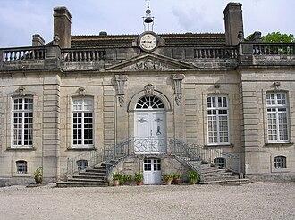 Beaumont-sur-Vingeanne - 18th-century chateau