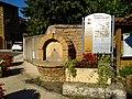 Châtillon (Rhône) - Fontaine et panneau bienvenue (août 2018).jpg
