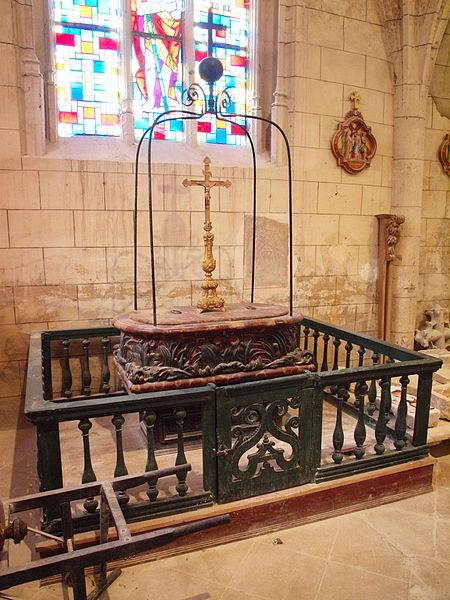 File:Champigny-FR-89-église-intérieur-D5.jpg