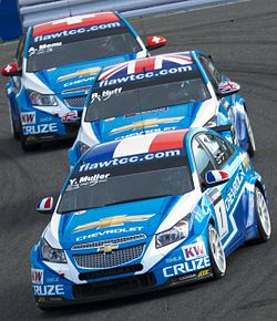 Chevrolet trio 2011 WTCC Race of Japan (Race 2).jpg