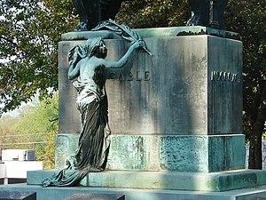 Chippiannock Cemetery - Cable monument by Paul de Vigne