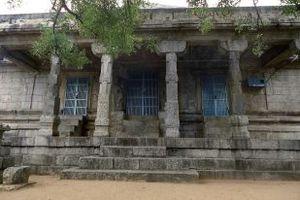Chitharal Jain Monuments - Image: Chitharal malaikovil 1