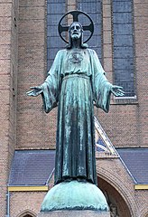 statue of Sacred Heart of Jesus Christ (Ginniken)