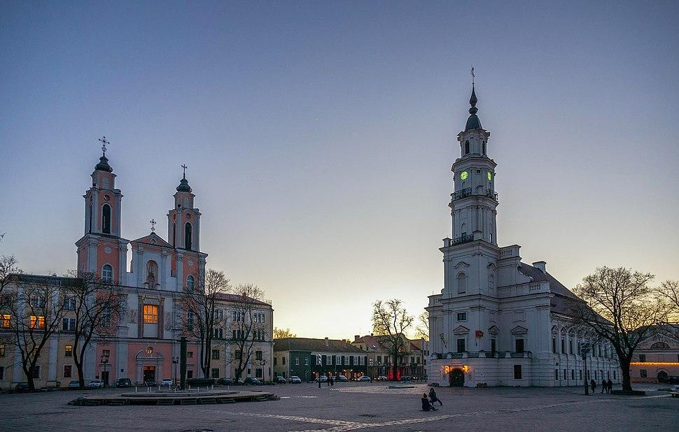 Church of St Francis Xavier and Kaunas Town Hall (2017)