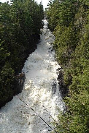 Sainte-Ursule, Quebec - Sainte-Ursule Falls