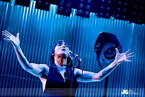 Manuela Azevedo - Image: Clã 1