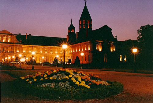 Abbey of Cluny in lights Cluny Gala Arts et Metiers exterieur 01.jpg
