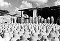 Collectie NMvWereldculturen, TM-10021726, Repronegatief 'Strohoeden liggen te bleken in de zon', fotograaf niet bekend, 1949.jpg