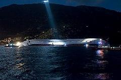 Collision of Costa Concordia 13.jpg