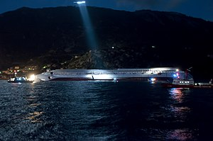 Collision of Costa Concordia 13.jpg