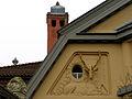 Congress Union Celle, Thaerplatz 1, 29221 Celle, Blick auf den rechten der beiden Hirsche unter dem Giebel am Altbau, Thaers Wirtshaus.jpg