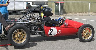Owen Maddock - A Mk. IX Cooper 1100, fitted with a JAP V-twin engine. The curved chassis tubes (black) can be seen above and below the engine crank case.