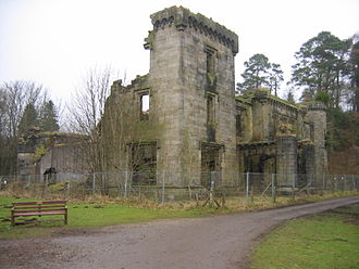 Craigend Castle - The ruins of Craigend Castle in Mugdock Country Park