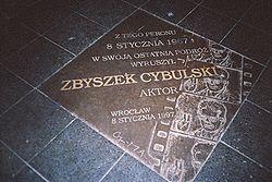 Tablica pamiątkowa na Dworcu Głównym we Wrocławiu
