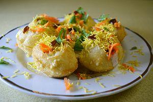 Dahi puri - Image: Dahi puri, Doi phuchka