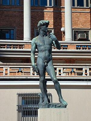 Palacio Municipal (Montevideo) - Replica of Michelangelo's David