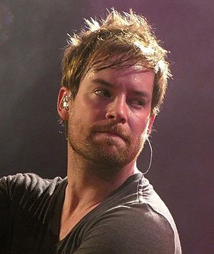 English: David Cook performing at Toad's Place...