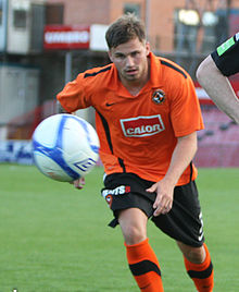 David Goodwillie chasing ball (cropped).jpg