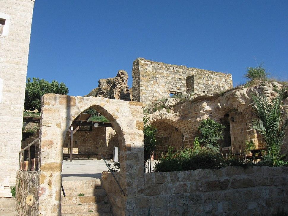 דייר חנא, מבט ממזרח