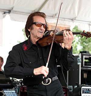 Doug Kershaw - Doug Kershaw playing the fiddle at the 2009 Festivals Acadiens et Créoles.